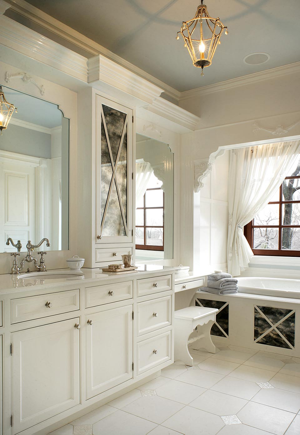 11 Awesome Traditional Bathroom Designs - Awesome 11 on Bathroom Ideas Photo Gallery  id=54901