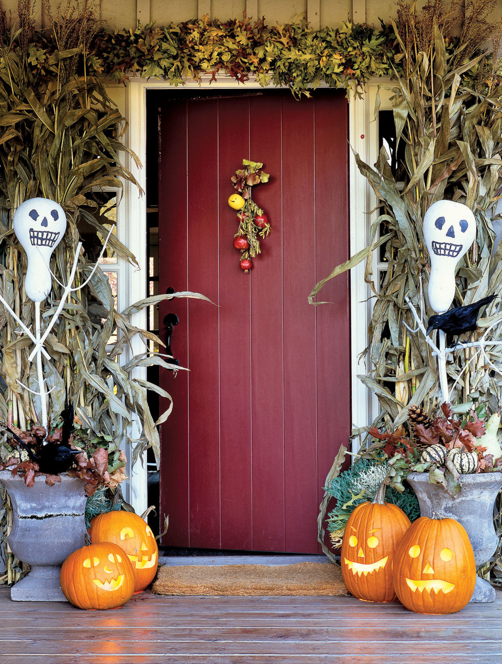 11 Awesome Outdoor Halloween Decoration Ideas - Spooky Decorations