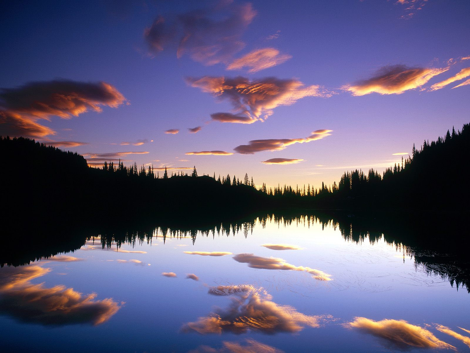 lake-reflections-in-water