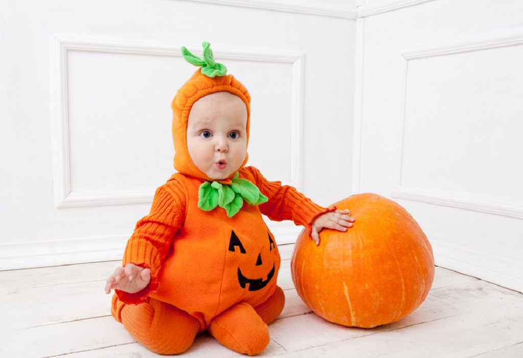 11 awesome and cute baby halloween costumes. Black Bedroom Furniture Sets. Home Design Ideas