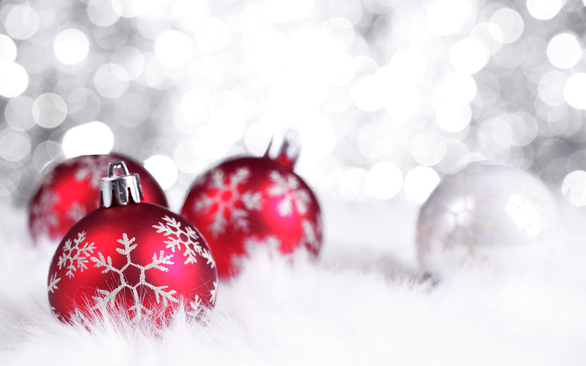 Red And White Christmas Ornament Wallpaper