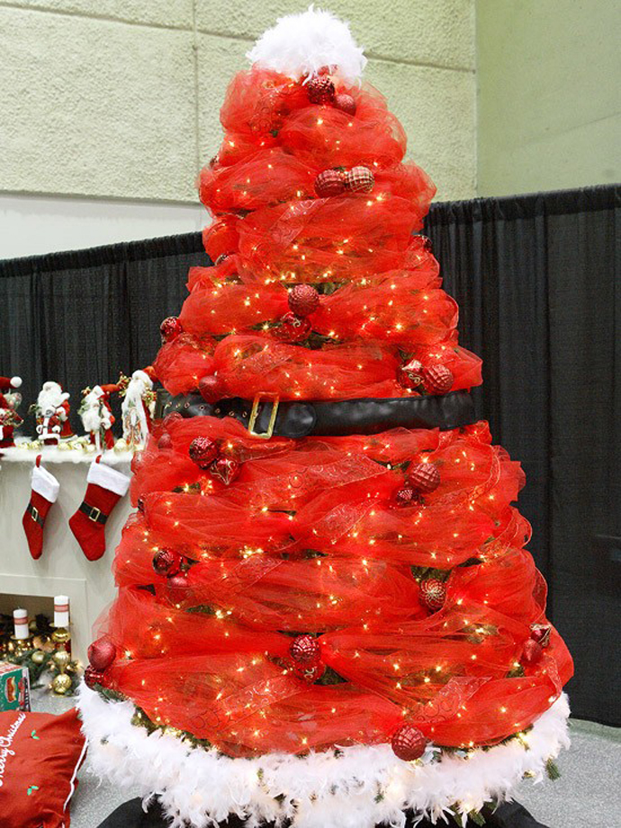11 awesome and unique christmas tree ideas for this year Creative christmas decorations