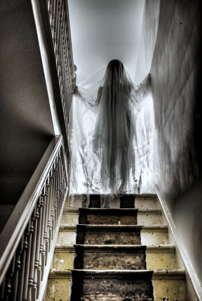 ghost-girl-on-stairs-halloween-decorations