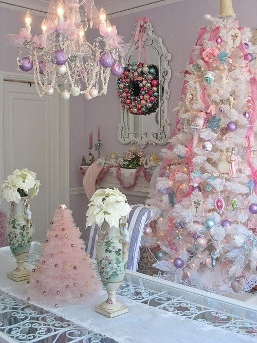 pastel-christmas-tree-decorations